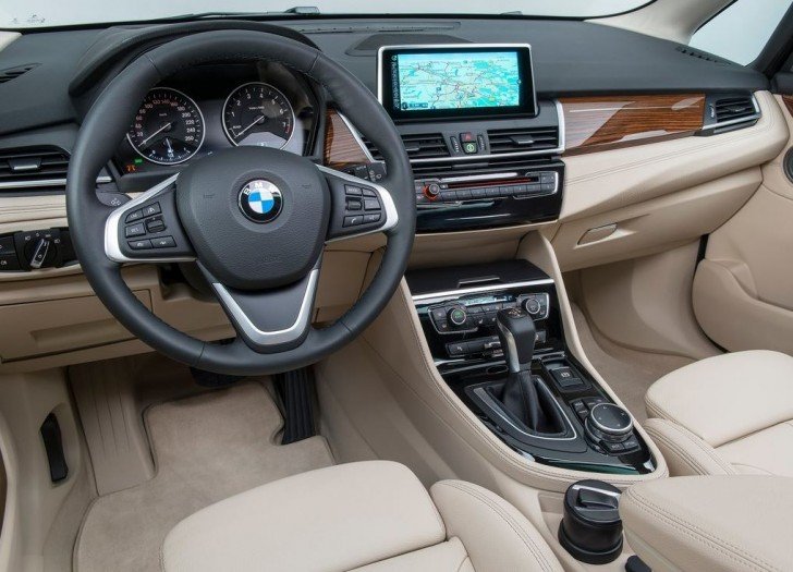 BMW 2-Series Active Tourer 2014 interior 01