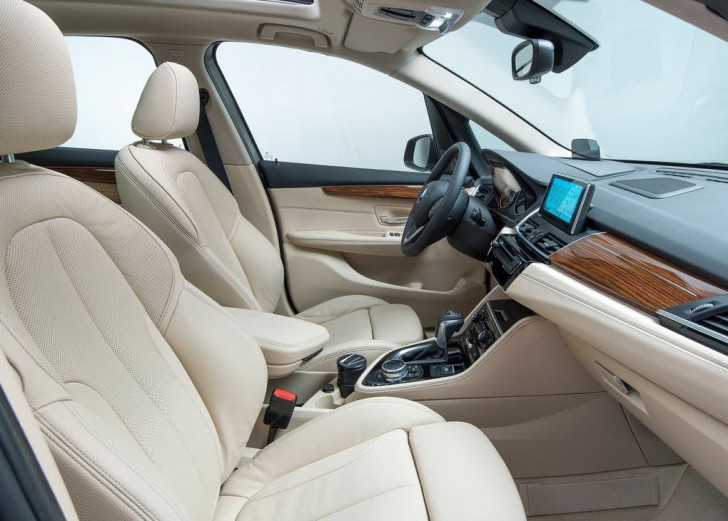 BMW 2-Series Active Tourer 2014 interior 02