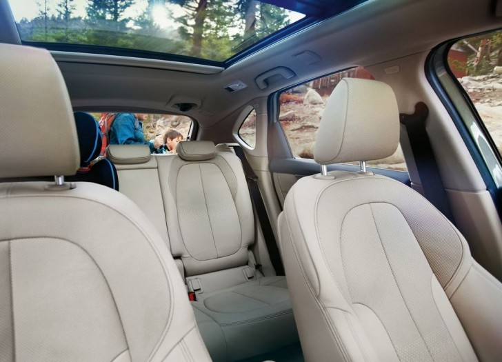 BMW 2-Series Active Tourer 2014 interior 04
