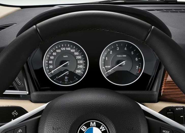 BMW 2-Series Active Tourer 2014 interior 08
