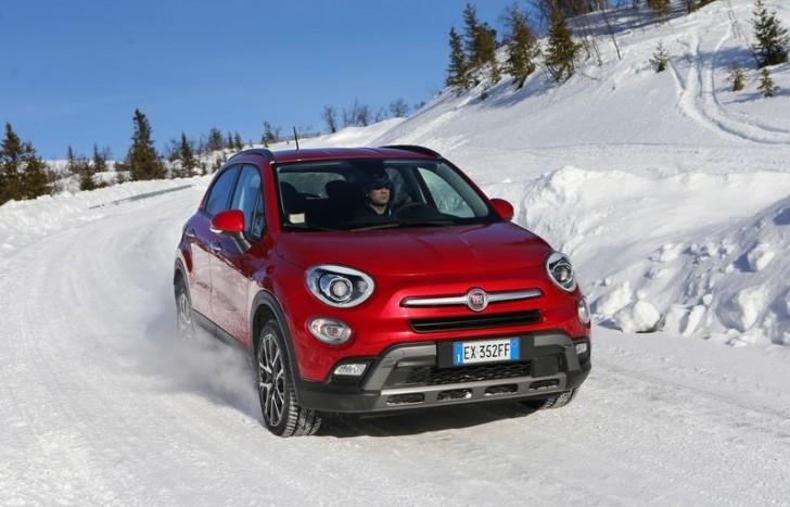 FIAT 500X snow