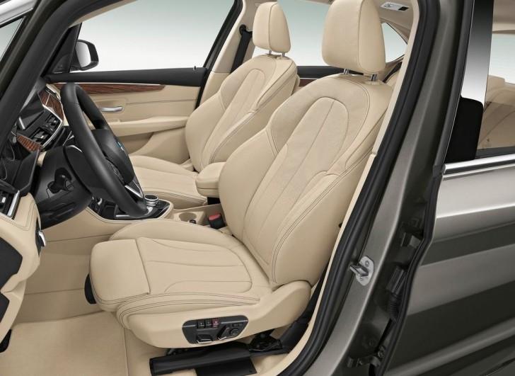 BMW 2-Series Active Tourer 2014 interior 03
