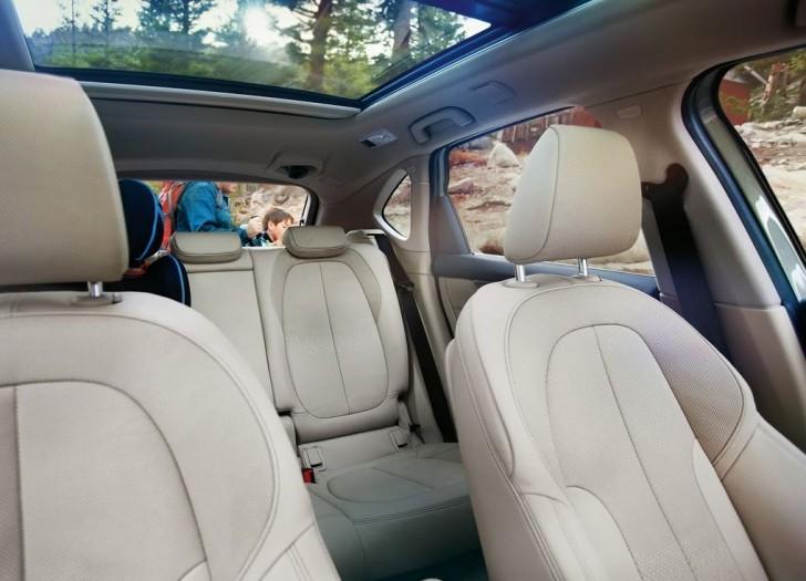 BMW 2-Series Active Tourer 2014 interior 04